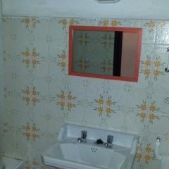 Отель Hostal Mestral Испания, Льорет-де-Мар - отзывы, цены и фото номеров - забронировать отель Hostal Mestral онлайн ванная