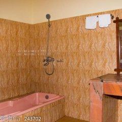 Отель Chitwan Forest Resort Непал, Саураха - отзывы, цены и фото номеров - забронировать отель Chitwan Forest Resort онлайн ванная