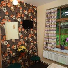 Отель Sleep In BnB 3* Стандартный номер с двуспальной кроватью (общая ванная комната) фото 2