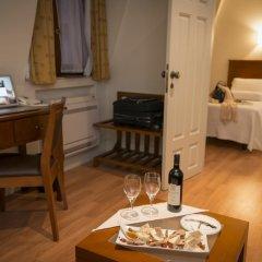 Отель Aliados 3* Люкс с 2 отдельными кроватями фото 6