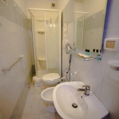Отель B&B Galleria Frascati 2* Стандартный номер с двуспальной кроватью фото 13