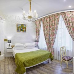 Бутик-Отель Росси 4* Улучшенный номер двуспальная кровать фото 2