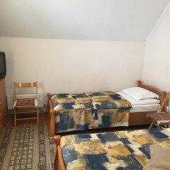Гостиница Каприз комната для гостей фото 3