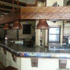 Отель Hostal El Callejon гостиничный бар