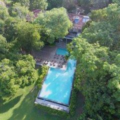 Отель Roman Lake Ayurveda Resort бассейн