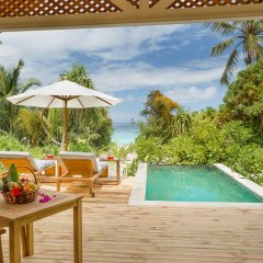 Отель Kudafushi Resort and Spa бассейн