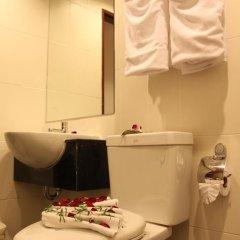 Отель Patong Hemingways 4* Улучшенный номер фото 18