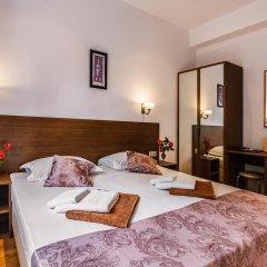 Гостиница Вилла Онейро 3* Номер с общей ванной комнатой с различными типами кроватей (общая ванная комната) фото 2