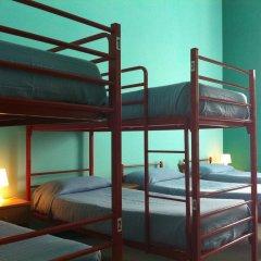 Отель Ostello Verbania Кровать в общем номере фото 3
