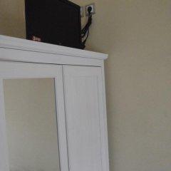 Отель RentRooms Thessaloniki 3* Кровать в женском общем номере с двухъярусной кроватью фото 6