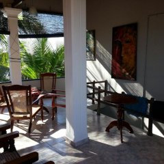 Отель Main Reef Guest House Хиккадува питание фото 2