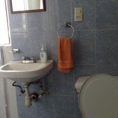 Отель Hostal don Felipe Мексика, Гвадалахара - отзывы, цены и фото номеров - забронировать отель Hostal don Felipe онлайн ванная