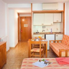 Отель Guya Wave в номере