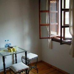 Отель Hadji Neikovi Guest Houses 2* Стандартный номер с различными типами кроватей фото 5