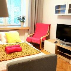 Апартаменты Cozy Apartment Old Town Варшава комната для гостей фото 4