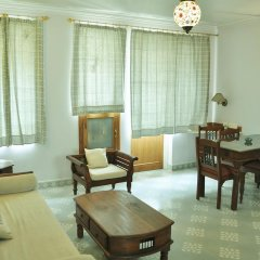 Om Niwas Suite Hotel 3* Люкс с различными типами кроватей фото 3