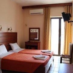 Отель Athinaiko 2* Стандартный номер с двуспальной кроватью фото 7