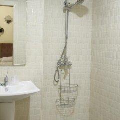 Отель Hostal Flor De Lis- Lojo ванная фото 2