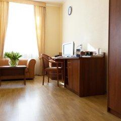 Гостиница Максима Заря 3* Семейный номер двуспальная кровать фото 4