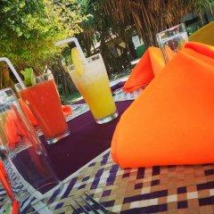 Green Shadows Beach Hotel бассейн