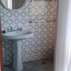 Отель Hostal Pineda Стандартный номер с 2 отдельными кроватями фото 3