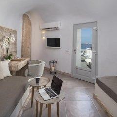 Отель Athina Luxury Suites 4* Люкс повышенной комфортности с различными типами кроватей фото 2