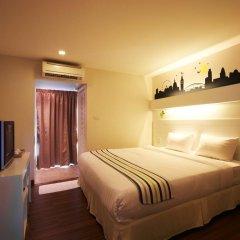 The Phoenix Hotel Bangkok 3* Номер Делюкс с различными типами кроватей