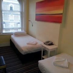 Manor Hotel 2* Стандартный номер с 2 отдельными кроватями (общая ванная комната) фото 5