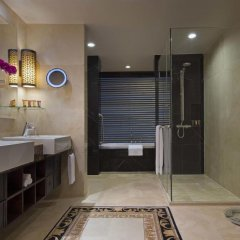 Sheraton Saigon Hotel & Towers 5* Номер Делюкс с различными типами кроватей