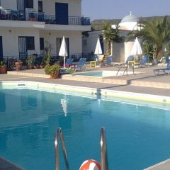 Helios Hotel бассейн