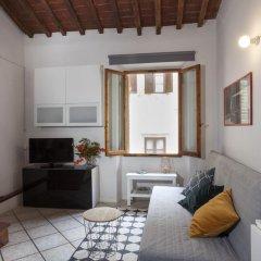 Отель Casa Cosi Pazzi Италия, Флоренция - отзывы, цены и фото номеров - забронировать отель Casa Cosi Pazzi онлайн комната для гостей фото 2