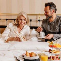 Small Luxury Hotel Ambassador Zürich 4* Номер Делюкс с двуспальной кроватью фото 7