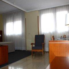Hotel Silken Torre Garden 3* Стандартный семейный номер с разными типами кроватей фото 4