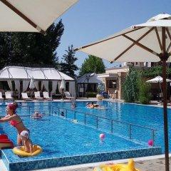 Отель Studio Evgeniya Болгария, Солнечный берег - отзывы, цены и фото номеров - забронировать отель Studio Evgeniya онлайн бассейн фото 2