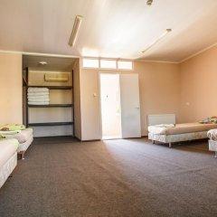 Мини-отель Глобус Стандартный семейный номер с двуспальной кроватью фото 2