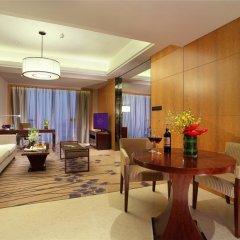 Отель Crowne Plaza Chengdu West Улучшенный номер с различными типами кроватей фото 4