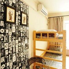 Отель Xian Ruyue Inn 2* Кровать в мужском общем номере с двухъярусной кроватью
