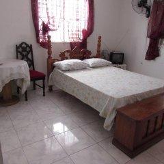 Отель Tina's Guest House комната для гостей