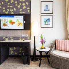 Отель Deevana Plaza Phuket 4* Номер Делюкс с двуспальной кроватью фото 11