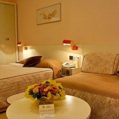 Hotel Geneva 4* Стандартный номер с двуспальной кроватью фото 4