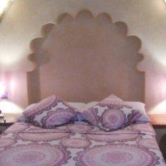 Отель Riad and Villa Emy Les Une Nuits Марокко, Марракеш - отзывы, цены и фото номеров - забронировать отель Riad and Villa Emy Les Une Nuits онлайн комната для гостей фото 5