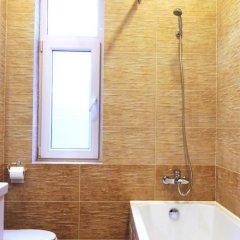 Гостиница on Mira - Kutuzova в Калининграде отзывы, цены и фото номеров - забронировать гостиницу on Mira - Kutuzova онлайн Калининград ванная