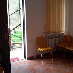 Отель Guest House West Yerevan комната для гостей фото 2