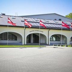 Отель Kocēnu sporta nama hostelis парковка