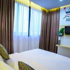 OneLoft Hotel 4* Улучшенный номер с двуспальной кроватью фото 2