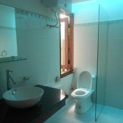 Отель Wooden House II Holiday Rental Хойан ванная