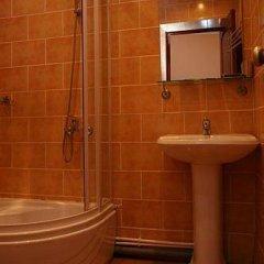 Гостиница Фиеста Парк в Красноармейске отзывы, цены и фото номеров - забронировать гостиницу Фиеста Парк онлайн Красноармейск ванная фото 2