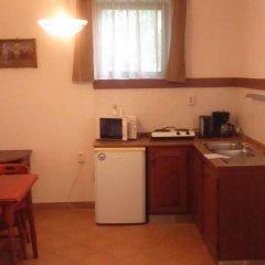 Отель Timpa Apartmanház & Dr. Strecker Villa в номере
