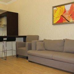 Апартаменты Vremena Goda Apartment комната для гостей фото 5