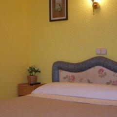 Отель Hostal Residencia Fernandez Испания, Мадрид - отзывы, цены и фото номеров - забронировать отель Hostal Residencia Fernandez онлайн комната для гостей фото 4